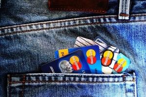 ニートでも作れるクレジットカード